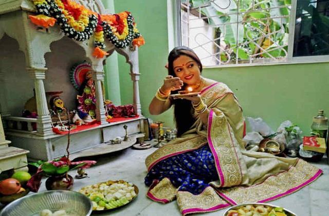 Navratri 2021: वास्तु नियमों के अनुसार करें देवी मां की पूजा, मिलेगा दोगुना फल
