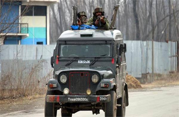 army vehicles in jammu and kashmir will now have white and blue flag