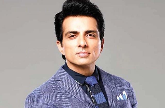 film actor sonu sood to give 10 oxygen generators to indore