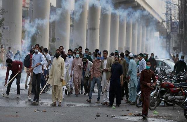 war like situation in pakistan protest continues over arrest of tlp leader
