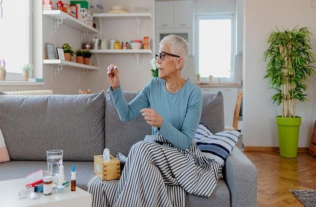 कोविड के मरीज खाने-पीने में बरतें सावधानियां, जानें कैसा हो Diet Chart