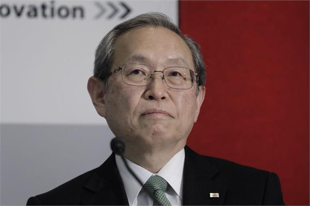 toshiba ceo nobuaki kurumatani steps down over management rift