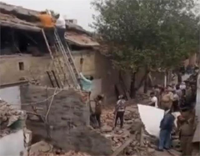 big accident in ludhiana building under construction collapsed