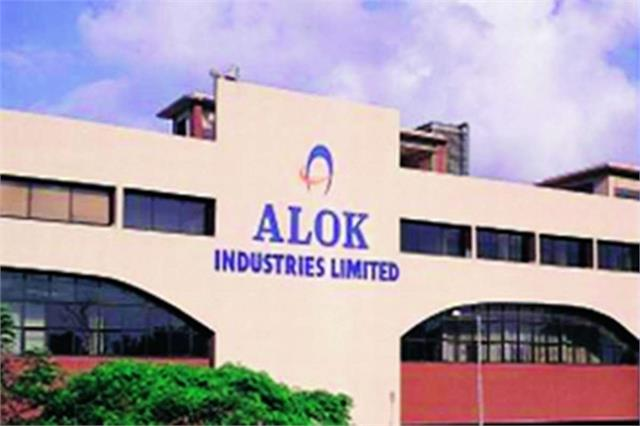 alok industries reported a loss of rs 500 11 crore in the fourth quarter