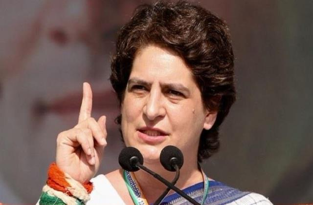 priyanka gandhi comes in support of board students