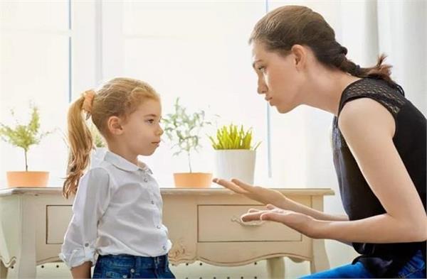 बच्चों के झूठ बोलने से हैं परेशान तो करें ये काम