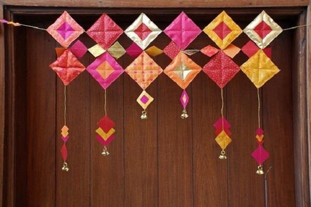 नवरात्रि स्पैशल: घर पर मिनटों में बनाएं DIY पेपर तोरण, मां लक्ष्मी हो जाएगी प्रसन्न