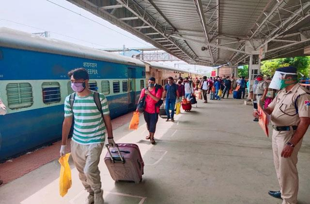 platform tickets will no longer be available at railway station