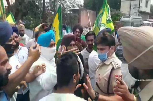 farmer protest against bjp leader in patiala