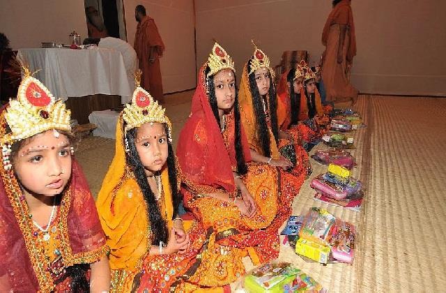 Kanya Pujan Gifts: कोरोना काल में कन्याओं के लिए बेस्ट रहेंगे सेफ्टी के ये उपहार