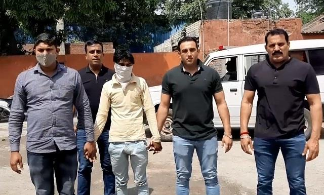 youth arrested with 1 kg 50 grams charas