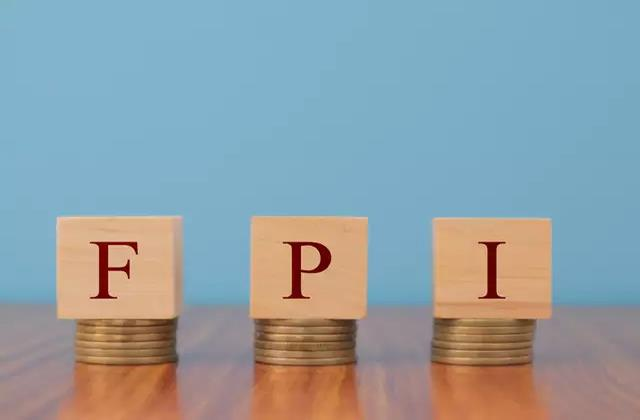 fpi withdraws rs 7 622 crore from indian markets so far in april