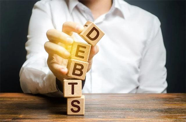 debt growth to a 59 year low in fy21 bank deposits rose 11 4