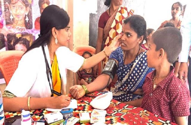मानवता की मिसालः गरीबों के लिए भगवान से कम नहीं डॉ. नूरी, इलाज के लिए लेती है महज 10 रु
