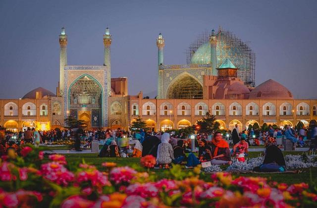 हर देश में रमजान मनाने का तरीका अलग, जानिए अनोखी परंपराएं