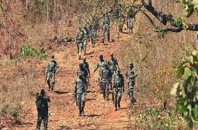 commander of maoist organization killed in encounter