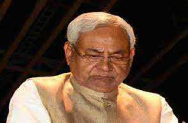 nitish expresses condolences on the demise of former minister