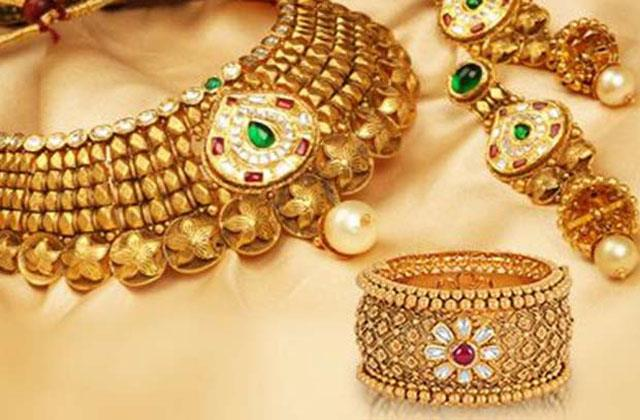 gold import rises to 160 tonnes in march due to lower prices gjepc