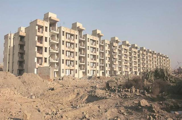 10 thousand houses are being built in greater noida under pmay