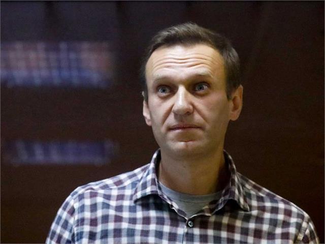 navalny transferred from prison to hospital