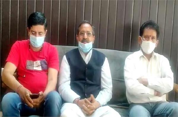 randhir sharma target on congress