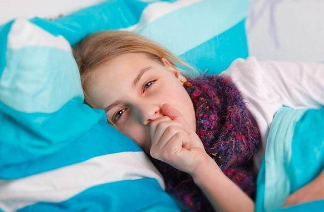 क्या आपके बच्चे को रात में सोने नहीं देती खांसी? ये देसी उपाय रहेंगे कारगर