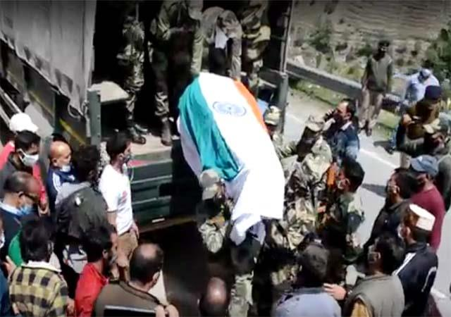 funeral of martyr soldier