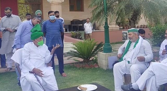 rakesh tikait met op chautala said  is chief minister khattar army general