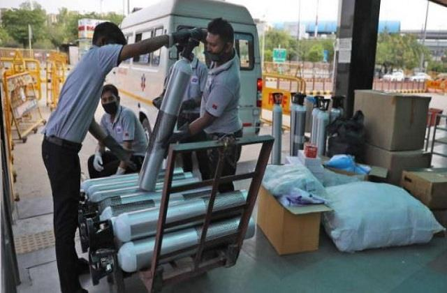 government to ban supply of oxygen to industries to meet demand