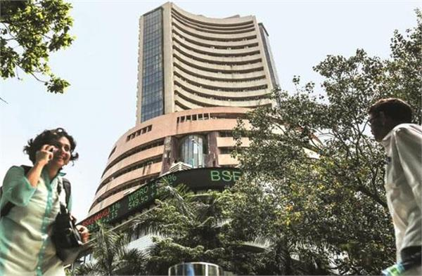 market opened strong in early trade nifty near 15 700 points