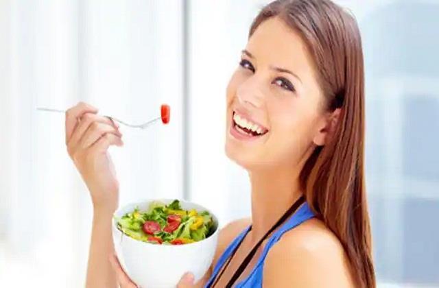 शरीर में खून की कमी है तो डाइट में शामिल कर लें ये 12 Super Foods