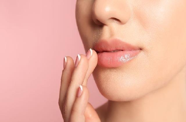 गर्मियों में ऐसे करें Lips Care, कभी नहीं होगी फटने की परेशानी