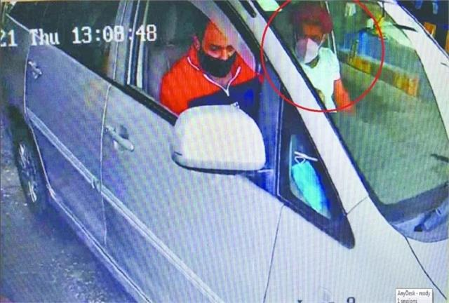 सागर हत्याकांड: मेरठ टोल पर कैमरे में कैद हुआ पहलवान सुशील कुमार, हरिद्वार  में होने की अशंका - wrestler sushil kumar caught in camera on meerut toll