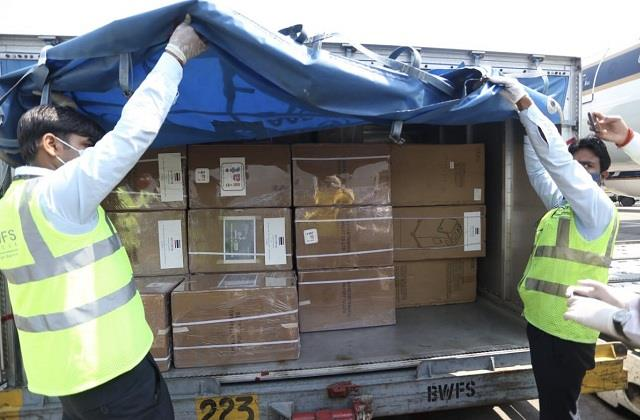 200 oxygen cylinders anf 10 oxygen concentrators sent by thailand government