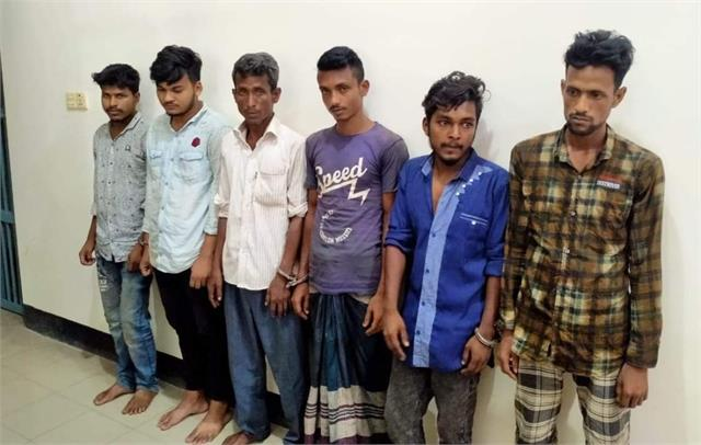 six arrested in bangladesh over gang rape of woman on moving bus