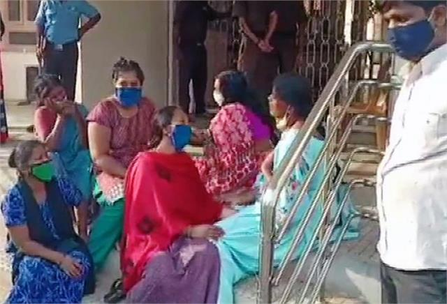 कर्नाटक के चामराजनगर जिले के अस्पताल में 24 मरीजों की मौत, ऑक्सीजन की कमी से तोड़ा दमः रिपोर्ट