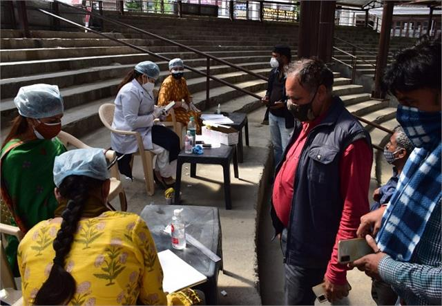 3 isolation centers set up in manali vaccination also continues