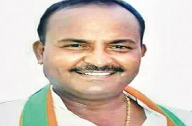 bjp mla vinay shakya gave 20 lakhs for health facilities