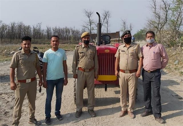 4 tractor seas engaged in illegal mining in paonta sahib