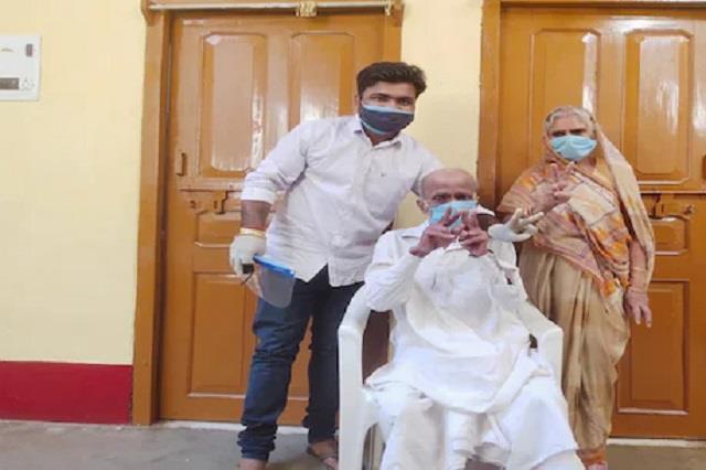 82 और 75 साल के इस वृद्ध दम्पति ने इन घरेलु नुस्खों को अपना कर कोरोना को किया चित