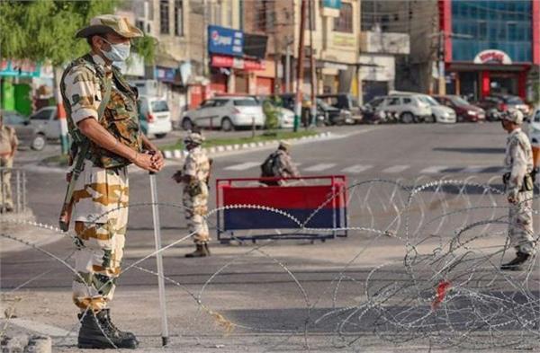 strict administration 143 people arrested in kashmir
