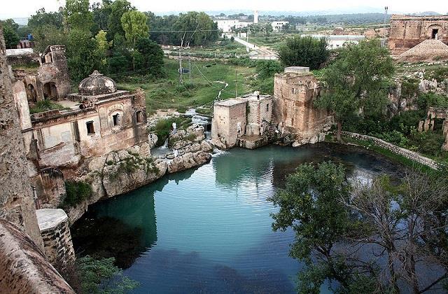 administrative control of pakistan s katasraj temple complex handed over to etpb
