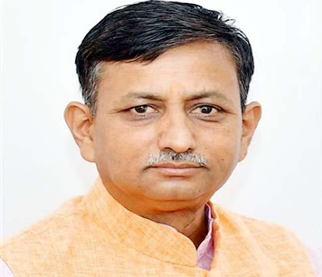 minister rajinder garg in meeting