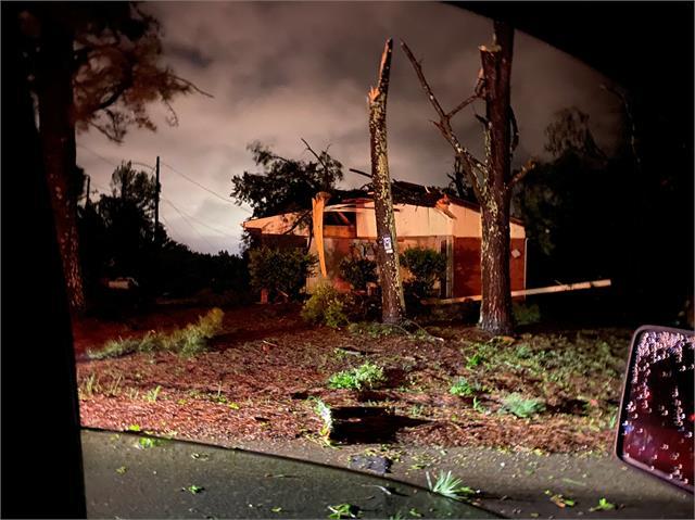 tornado strikes southwest of atlanta mississippi cities