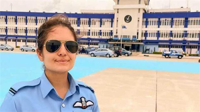 Proud! जम्मू-कश्मीर की 23 साल की बेटी माव्या सूदन बनीं पहली महिला फाइटर पायलट