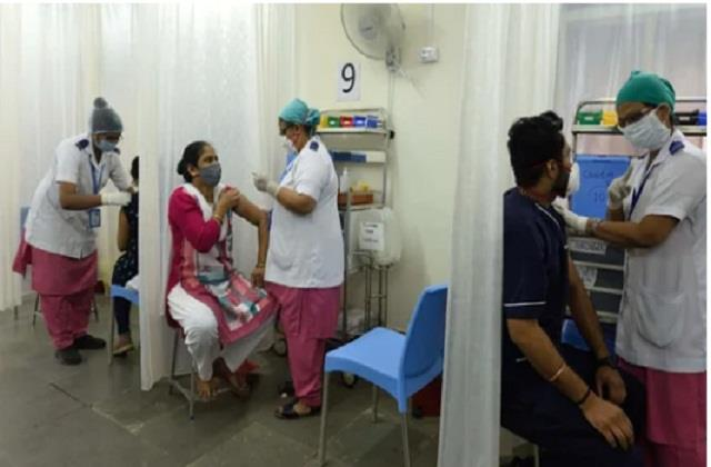 women far behind men in getting corona vaccine