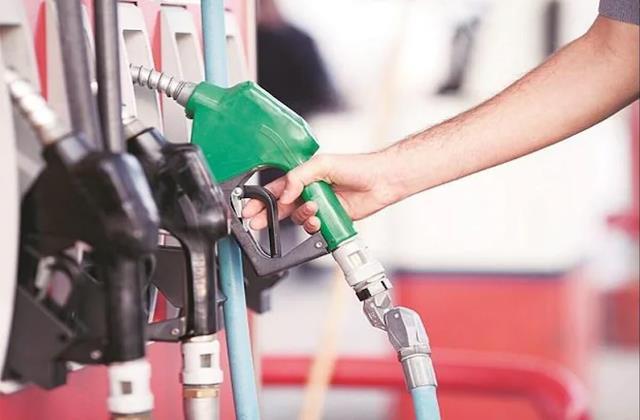 oil became expensive again today petrol crossed rs 101 in mumbai