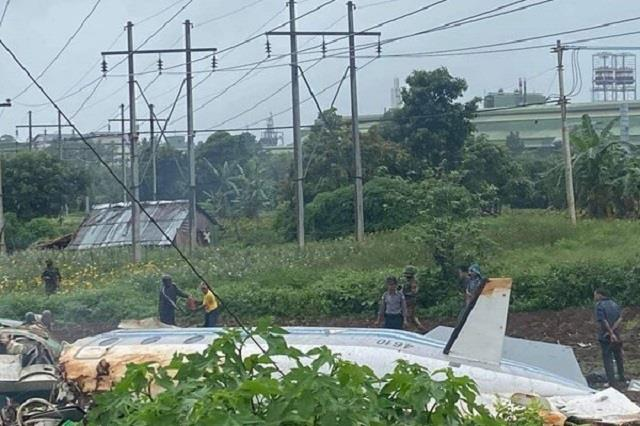 military plane crashes near myanmar s mandalay killing 12