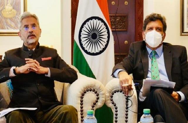 jaishankar interacts with the indian community in kenya