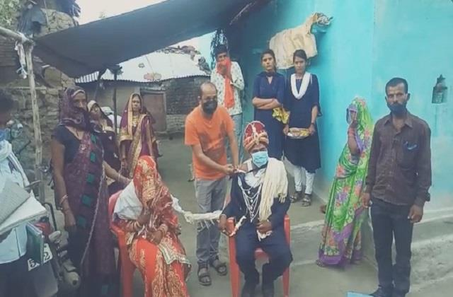 100 vaccination done in this village of mp